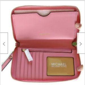 MICHAEL Michael Kors Bags - Michael Kors leather smarphone wristlet wallet